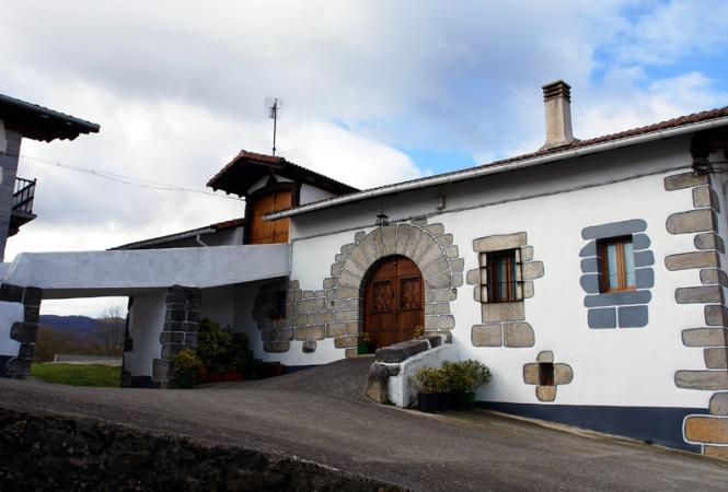 Casa reformada iribas navarra - Casas de pueblo reformadas ...