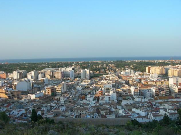Vista parcial de pueblo oliva valencia - Casa de pueblo en valencia ...