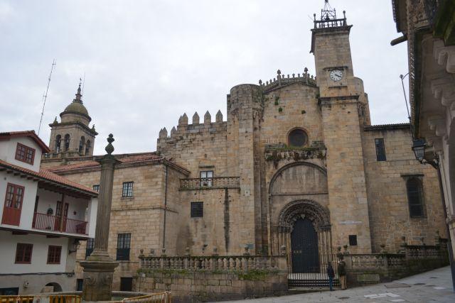 Catedral de San Martín en la Plaza del Trigo, ORENSE