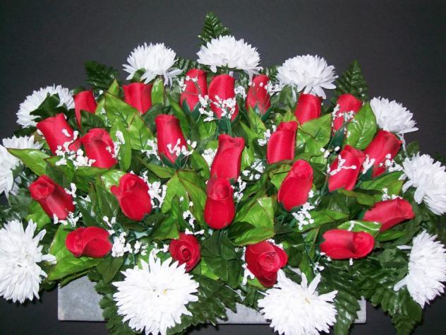 Flores Rojas Y Blancas Hinojal Caceres
