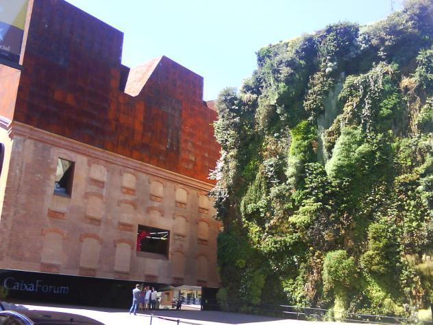Caixa forum jard n vertical madrid for Jardin vertical madrid
