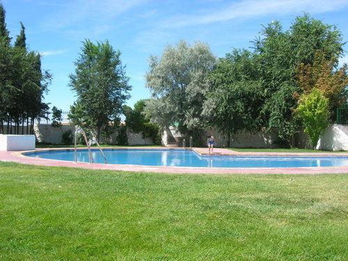 La piscina pedro martinez granada for Piscinas descubiertas granada