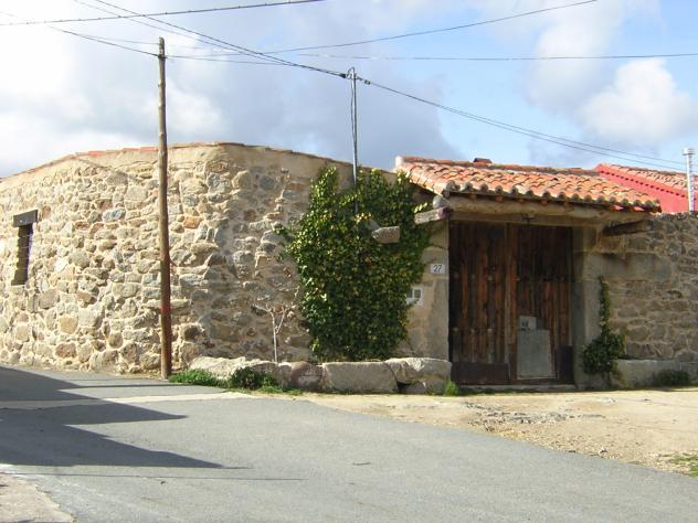 Port n de madera antiguo y casa villar de corneja avila for Porton madera antiguo