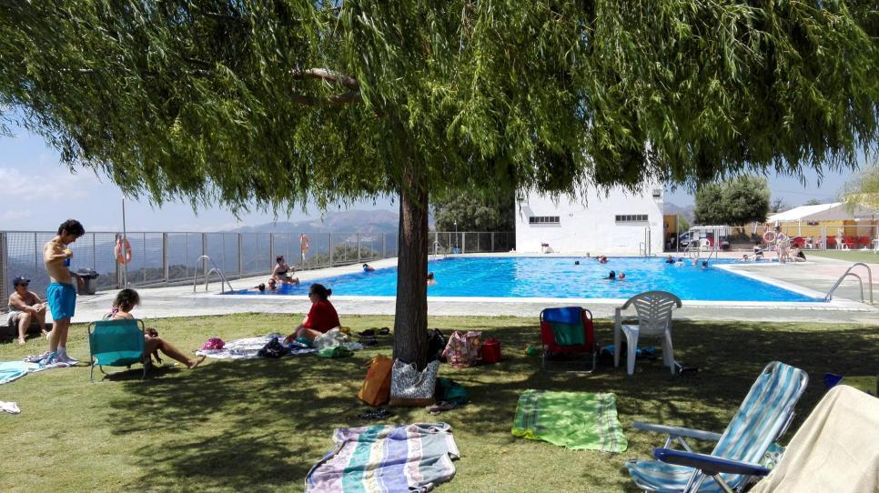 La piscina de agua salada alpandeire m laga - Piscinas de agua salada ...