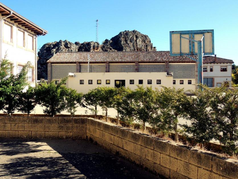 El gimnasio del colegio y la pe a barrio cervera de for Gimnasio 8 de octubre