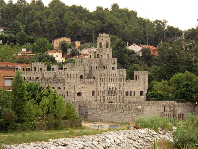 Castillo de les Fonts, SANT QUIRZE DEL VALLES (Barcelona)