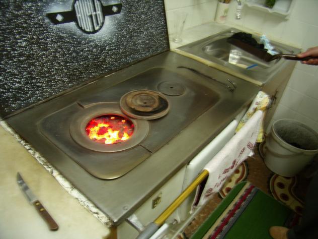 La vieja cocina de carb n pola de laviana asturias - Cocina de carbon ...