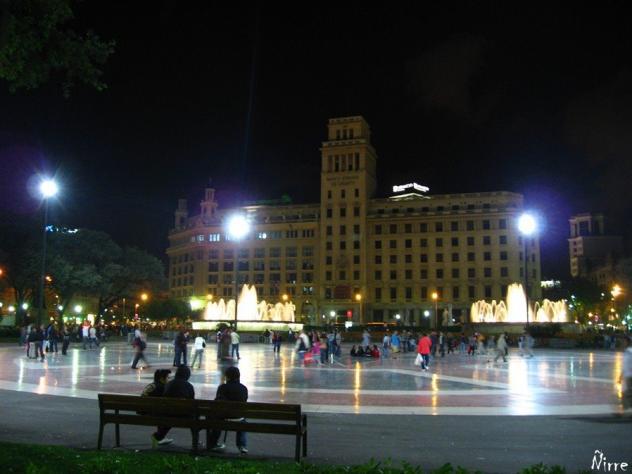 Plaza de catalu a noche barcelona for Noche hotel barcelona