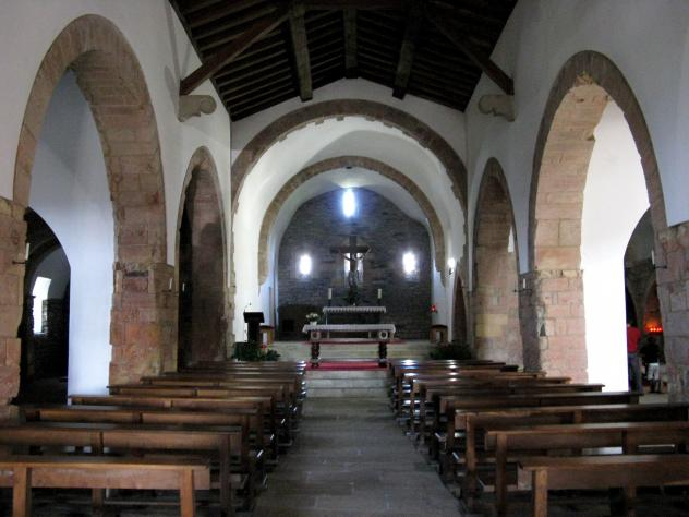 Interior de Sta María la Real, O CEBREIRO (Lugo)