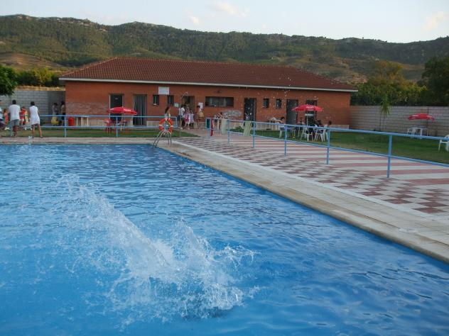 Nuestra piscina foz calanda teruel for Piscina teruel