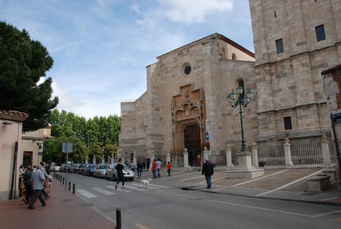 Plaza de santa luc a alcala de henares madrid - Oficinas santa lucia madrid ...