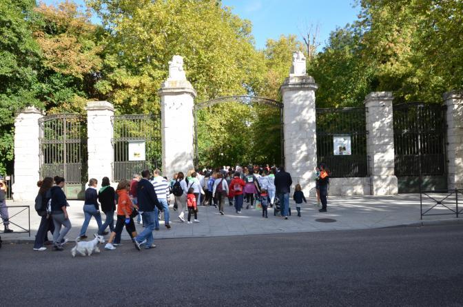 Puerta de la ciudad en el campo grande valladolid - Puertas en valladolid ...