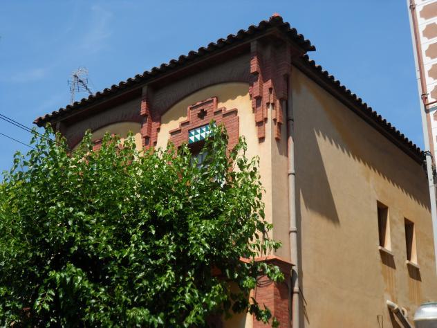 Casa f brega en la calle rubi i ors molins de rei for Casas molins de rei