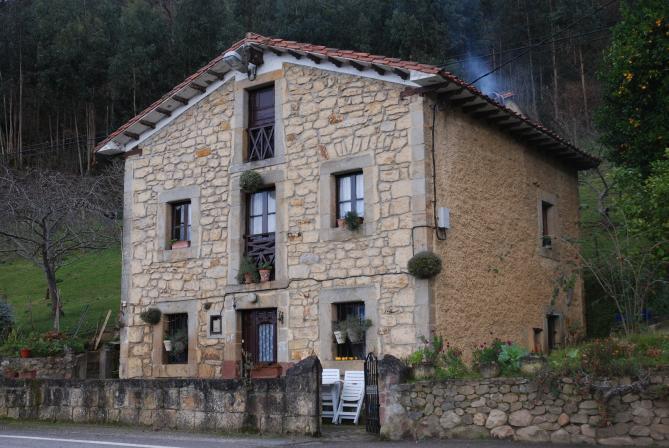 Casa de escoyo bielva cantabria for Casas de pueblo en cantabria