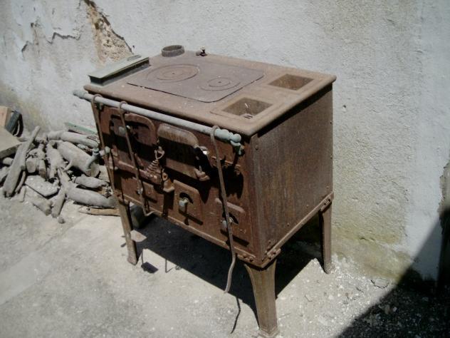 Cocina antigua la nuez de arriba burgos - Mesas antiguas de cocina ...