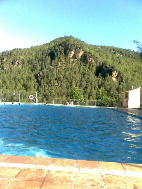 Vistas desde la piscina ludiente castell n for Piscina municipal castellon
