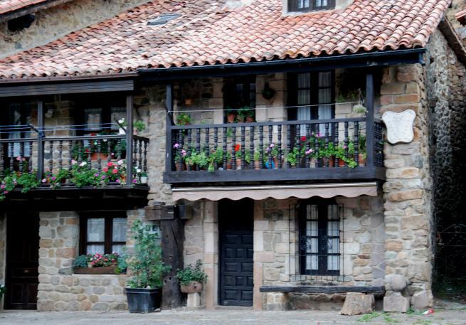 Balcones Con Flores Barcena Mayor Cantabria - Fotos-de-balcones-con-flores