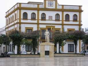 Plaza de España y Ayuntamiento Ilipense, ALCALA DEL RIO (Sevilla)
