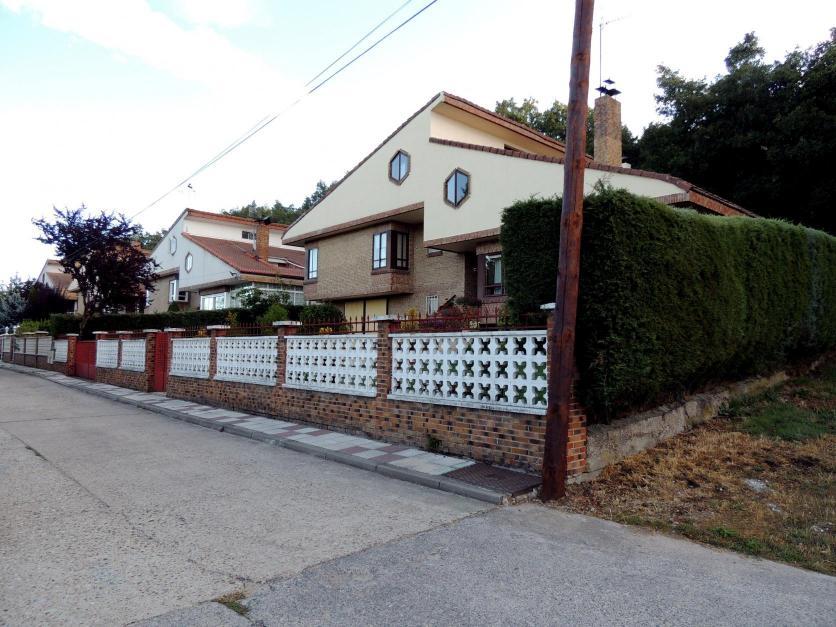 Las casas de la derecha de la urbanizaci n s miguel - Casas en guardo ...